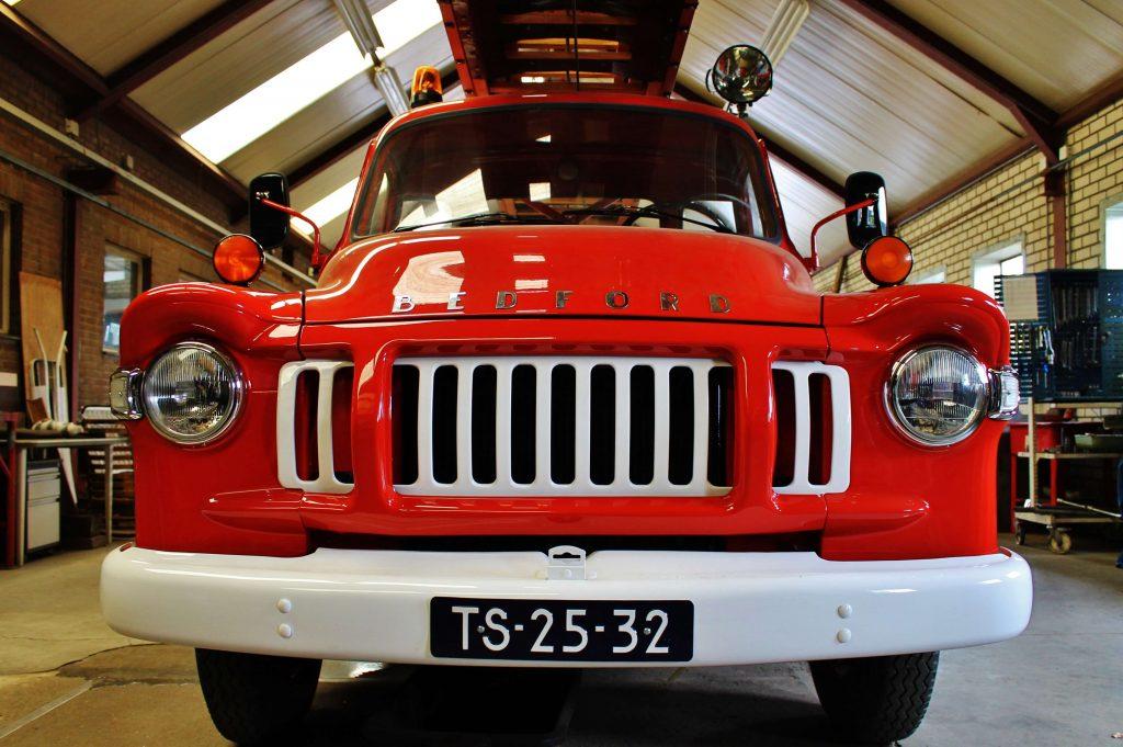 grill-van-bedford-j2-ladderwagen