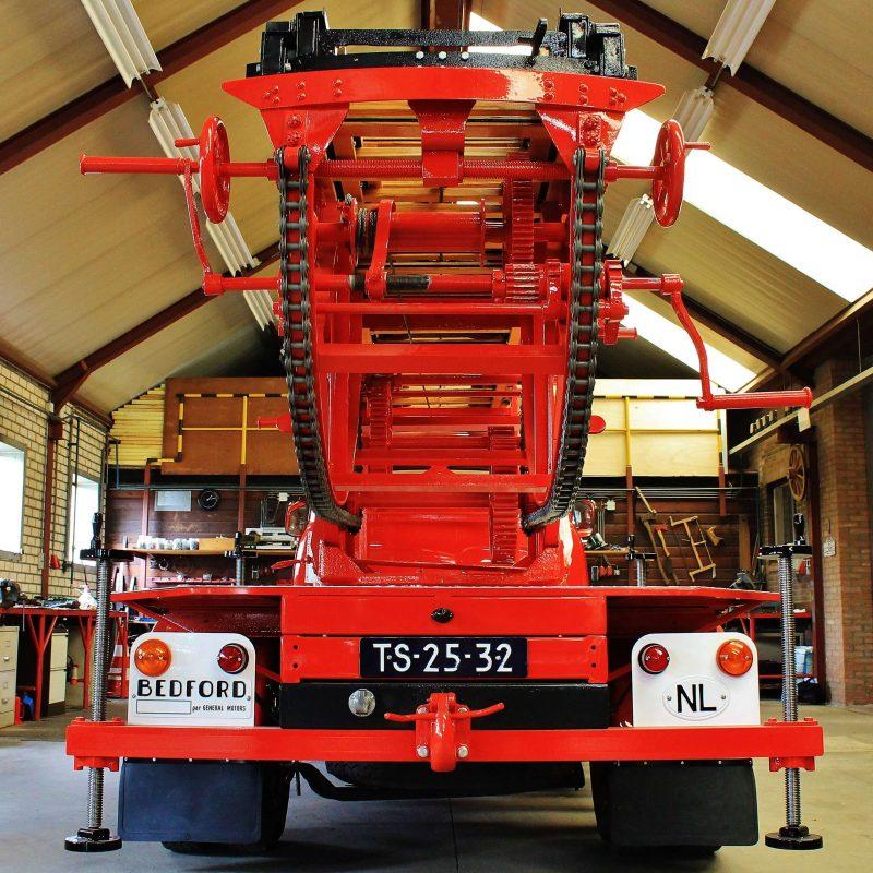 Bedford J2 Ladderwagen van wijlen Jan van Geffen geen barnfind, maar mailboxfind
