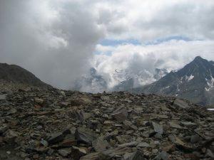 Foto behorend bij gedicht over gevoel van vrijheid en zorgen gemaakt door Ralph Stoove ragasto tijdens de beklimming van de hoogste berg van Tirol de Wildspitze in Oostenrijk en Zwitserland
