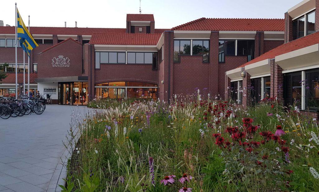 Foto van het stadhuis van de gemeente Harderwijk door Ralph Stoove van Ragasto
