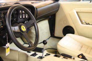 Interieur van Ferrari 308 GT4 Dino door Cees Stokman van Passion 4 Classics voor Ragasto