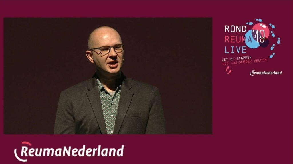 One minute pitch door Ralph Stoove op opening Rond Reuma Live over hulpmiddelen