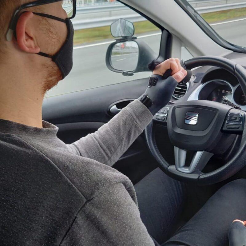 Rijtest – Met een handicap aangepast autorijden voor het echie (deel 4)